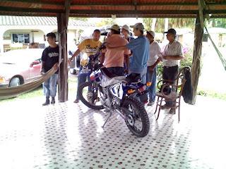 Moto-um-dsr-200