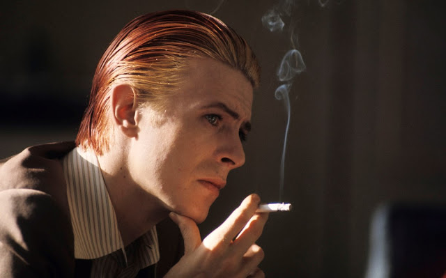 david-bowie-smoking-redhair-fire-hair