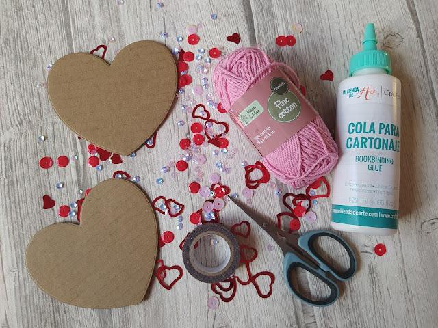 Petit cœur en laine pour la Saint Valentin
