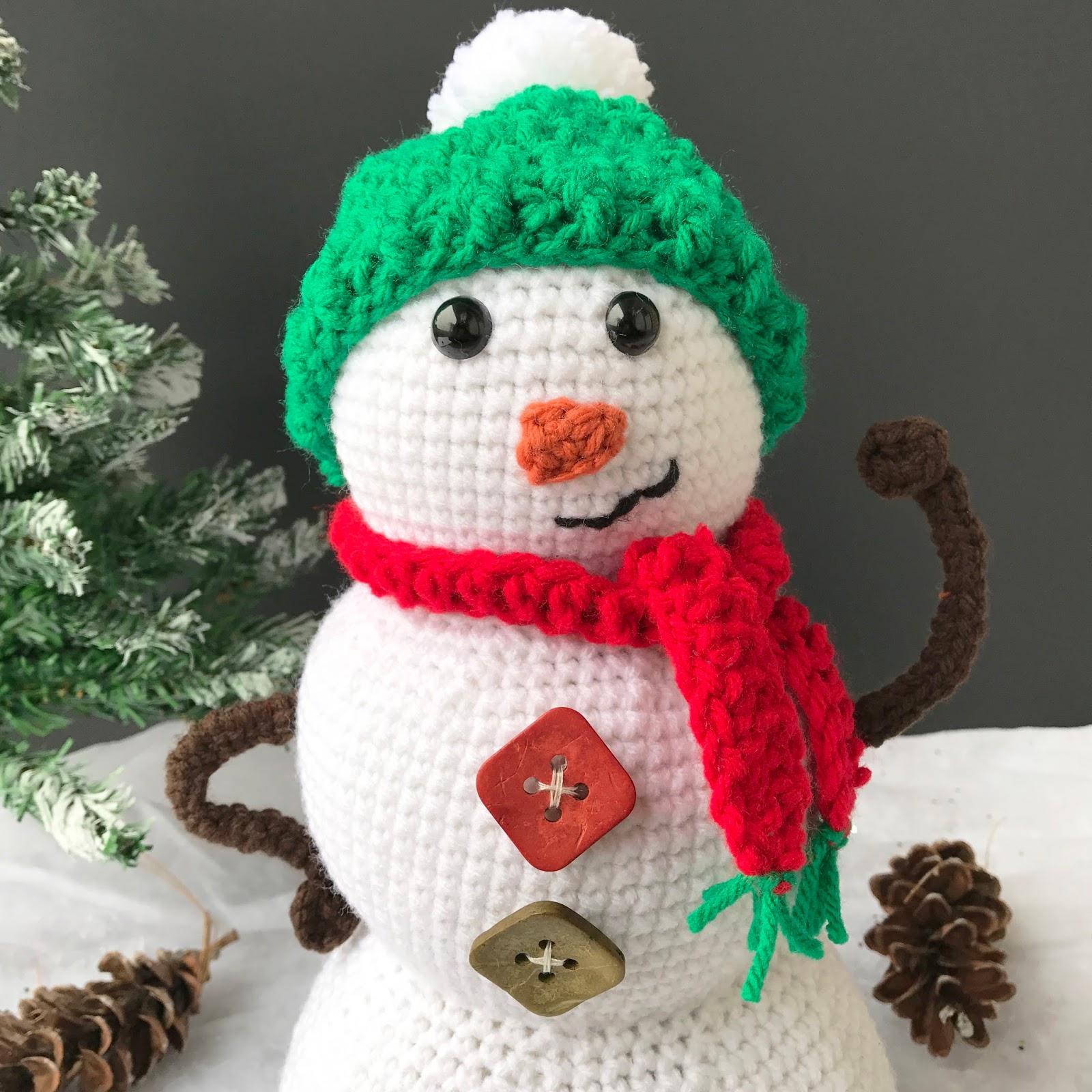 Snowman Amigurumi Free Crochet Along - Maria\'s Blue Crayon