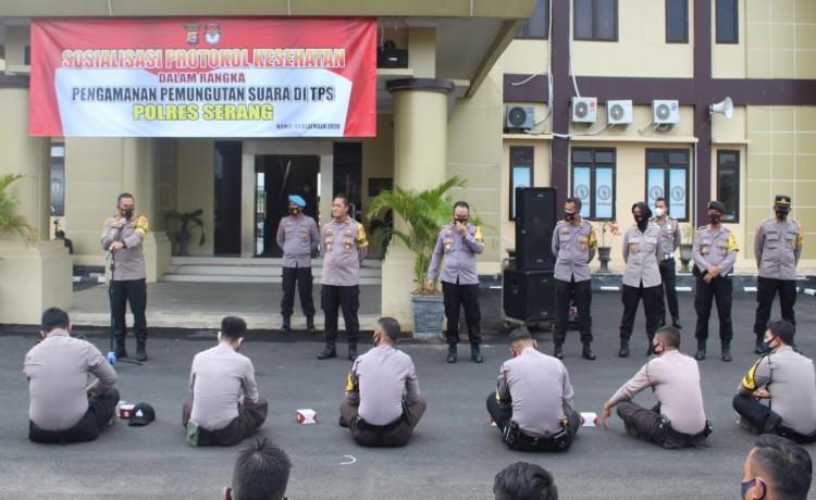 Jelang Pelaksanaan Pilkada, Polres Serang Gelar Apel Pasukan dan Sosialisasi Prokes dalam Rangka Pengamanan Pemungutan Suara di TPS
