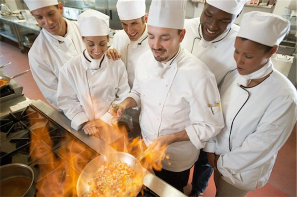 Tuyển dụng tổng bếp trưởng khu vực Hà Nội