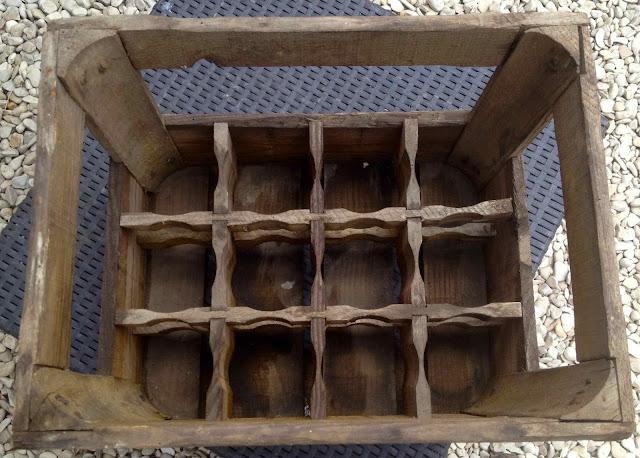 cette caissette en bois des brasseries plican de lille contenait 20 canettes de 33 cl de bire brune pelforth 43 etou de bire blonde pelforth pale - Caisse Biere Plastique