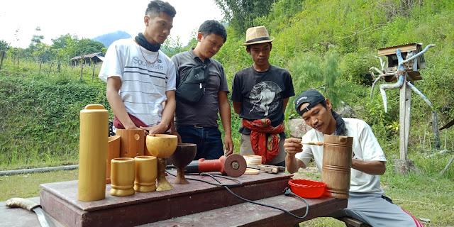 Allo Boyong, Pengrajin Bambu Asal Pauwan Sesesalu