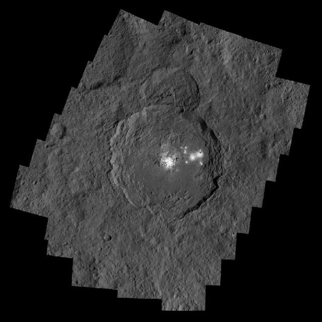 Pontos brilhantes em Ceres-  Cratera Occator