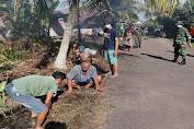 Zidam XII/Tpr Gelar Kerja Bakti Bersihkan parit dan jalan Komplek Kosgoro Serdam