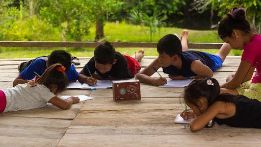 CAMPAÑA PARA FINANCIAR RADIOS (AMAZONÍA)