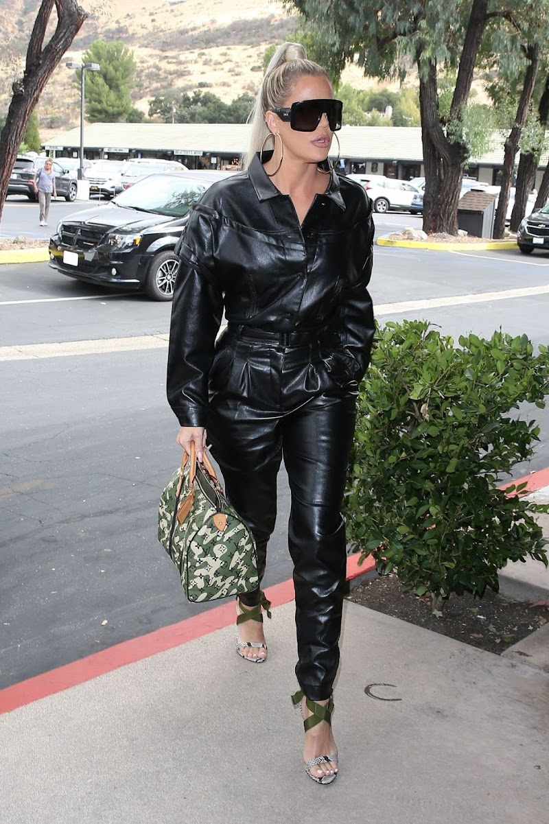 Khloe Kardashian Out for Lunch at Plata Taqueria & Cantina in Agoura Hills 10 Sep-2019