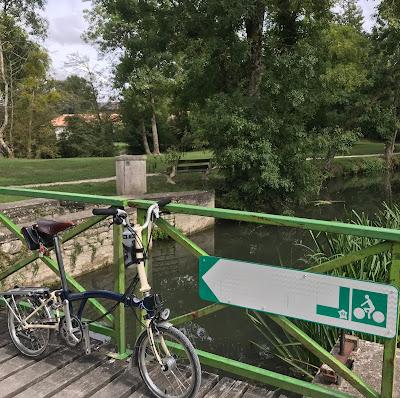 French Village Diaries V93 voie verte Deux-Sèvres