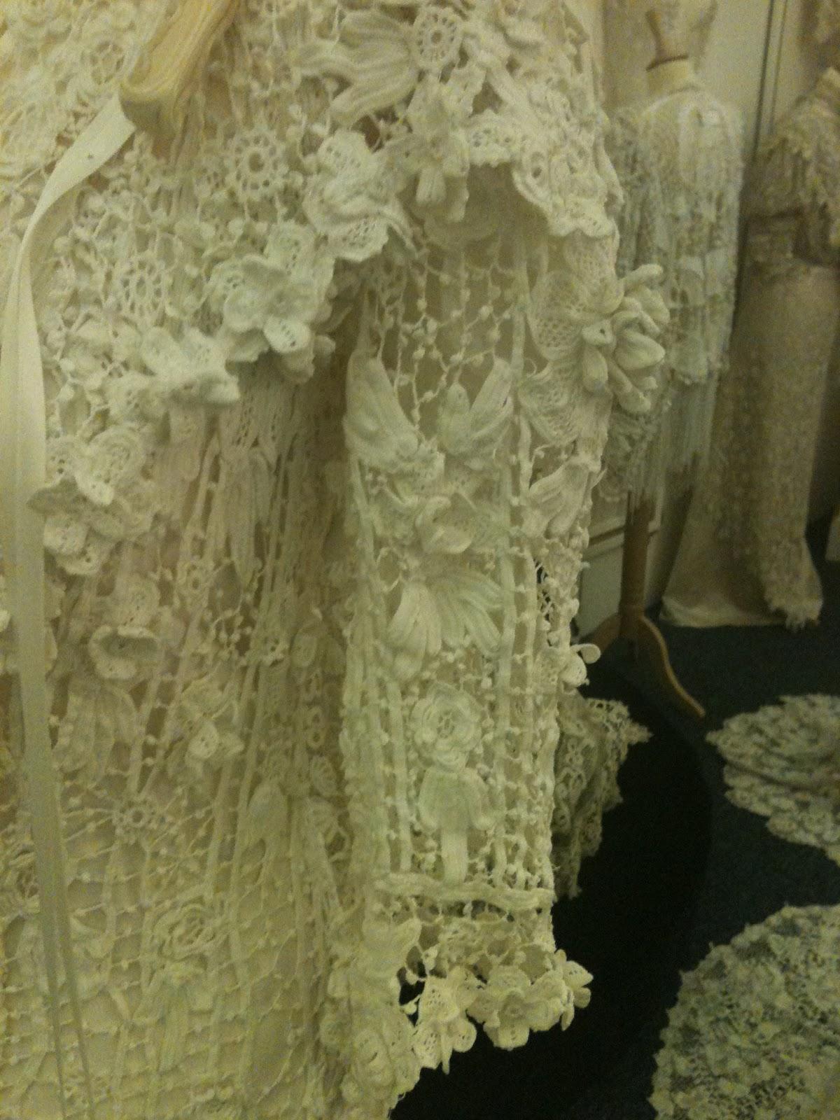 October Wedding Dresses