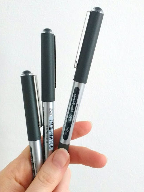 Uniball Eye micro black pens