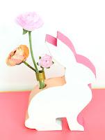 http://www.akailochiclife.com/2016/03/make-it-color-blocked-bunny-vases.html
