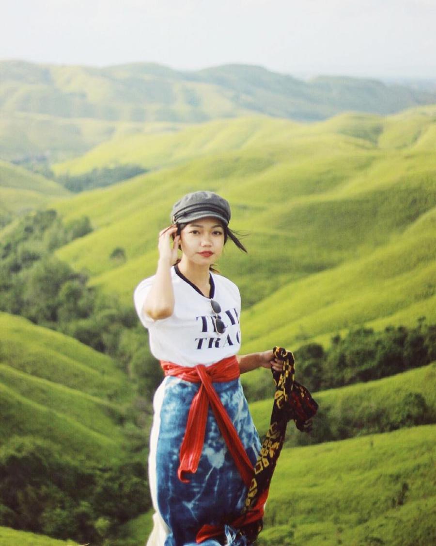 Fathia Izzati keren dan manis liburan OOTD