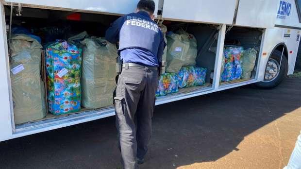 Operação Escudo retém mais um ônibus no posto da PRF, de Santa Terezinha de Itaipu