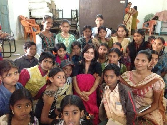 pratyusha-foundation-samantha-lunch-with-100-schoo