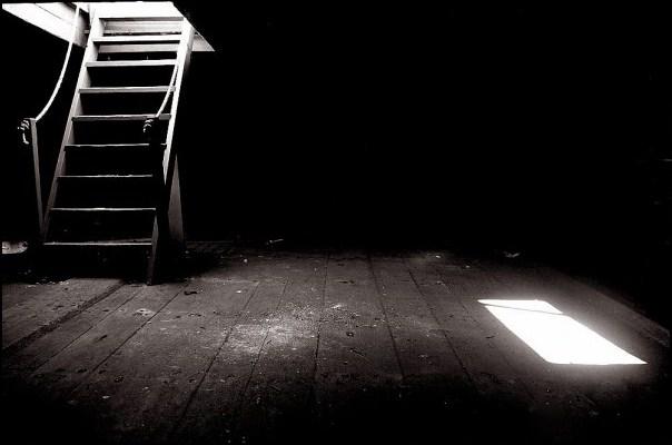 Resultado de imagen de sotano oscuro