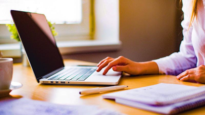 100% gratuito, plataforma disponibiliza conteúdo exclusivo para capacitar quem está em busca de emprego