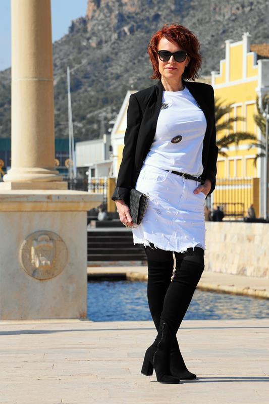 Almamodaaldia - Falda Blanca Romwe