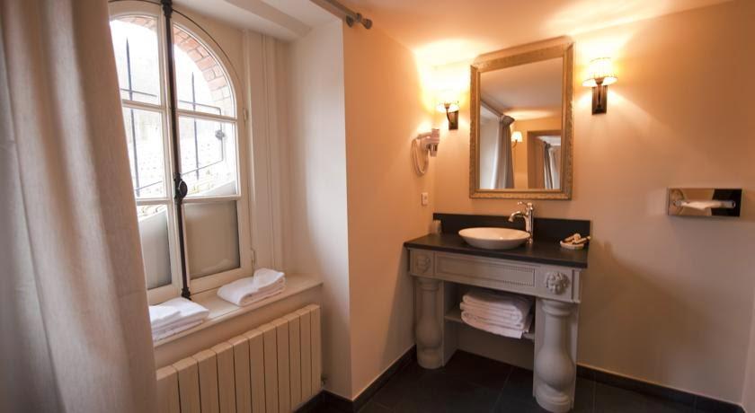 daniela wurdack l 39 hotel le sauvage de besan on. Black Bedroom Furniture Sets. Home Design Ideas