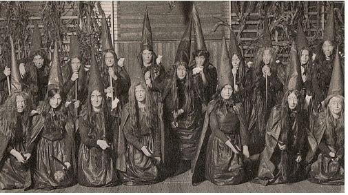 Tuesday's Favorite Finds #9 Old Witch Photos