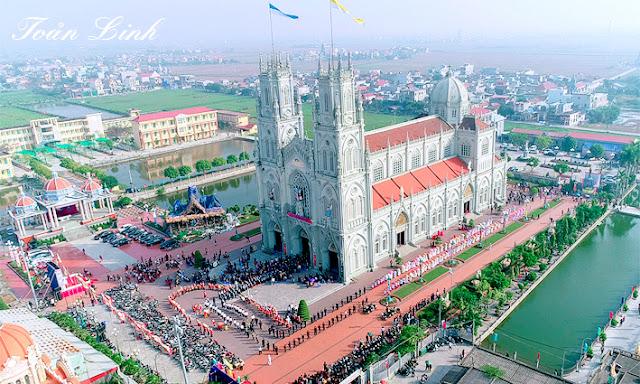Kiên Lao: Mừng kính Thánh Gia