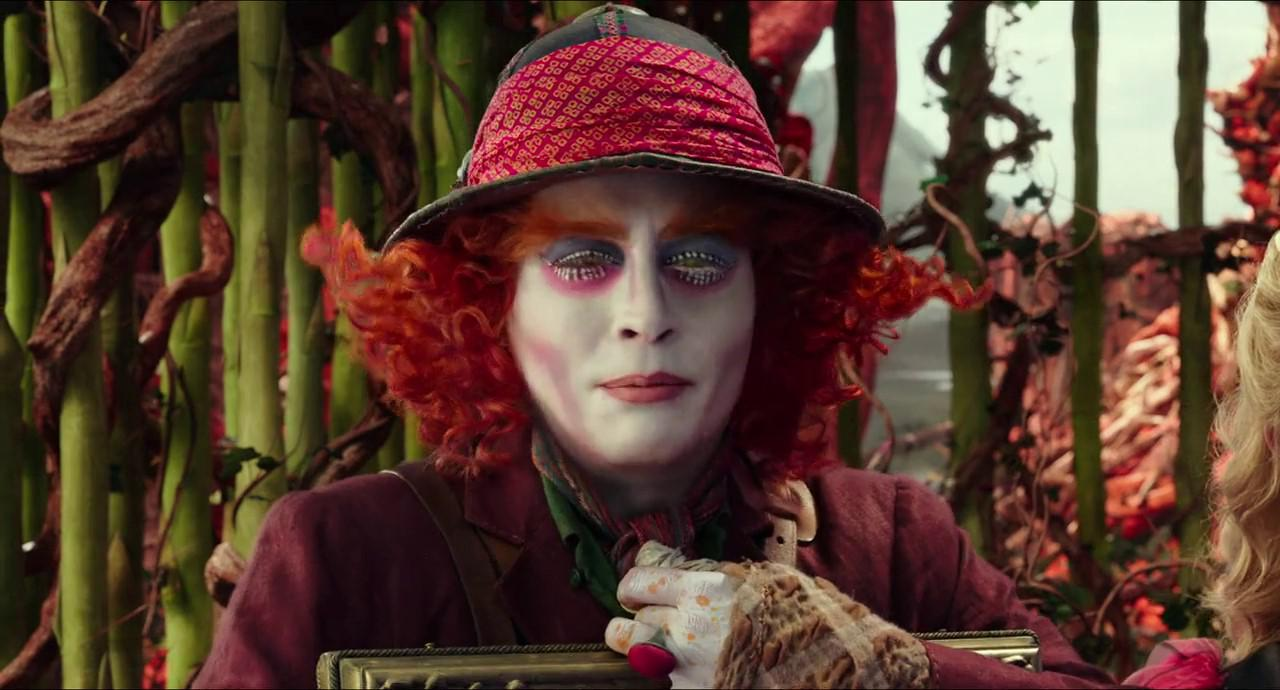 Alice Through the Looking Glass (2016) 2