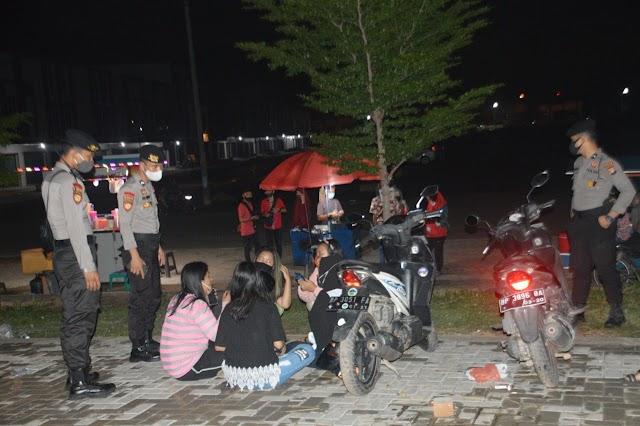 PS Aman Nusa II Penanggulangan Covid-19 Seligi 2020 Melakukan Patroli Dialogis Di Wilayah Batu Aji Dan Sekitarnya Guna Mendukung New Normal di Wilayah Kepri