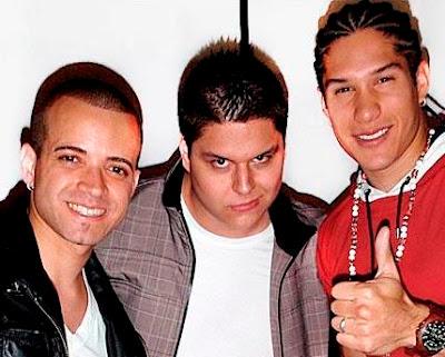 Foto de Fainal con otros cantantes