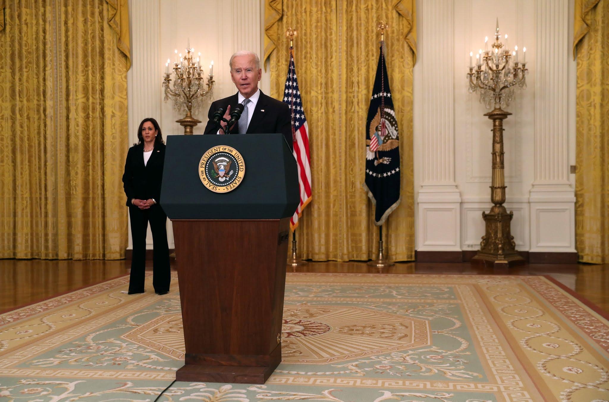 Biden anuncia que EEUU donará más vacunas contra el coronavirus a terceros países