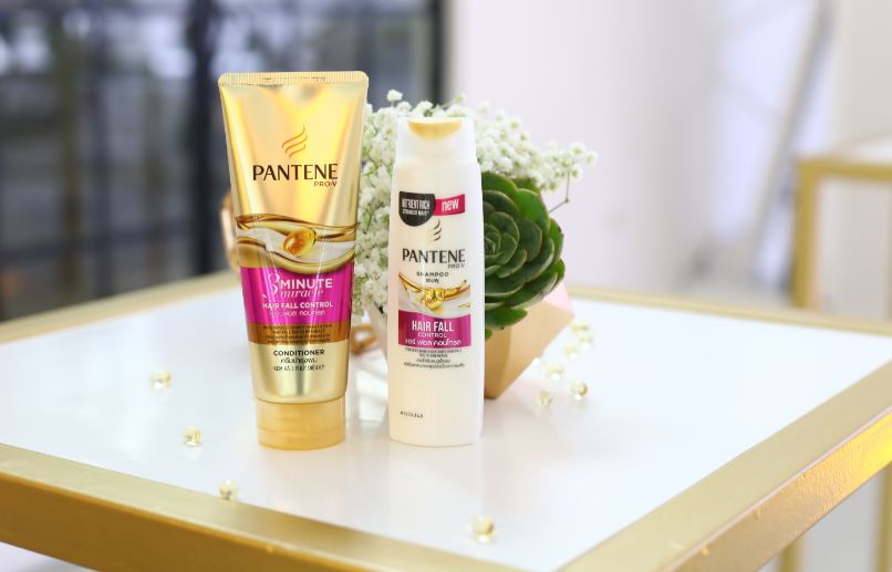 The new Pantene Pro-Vitamin shampoo and 3 Minute Miracle conditioner
