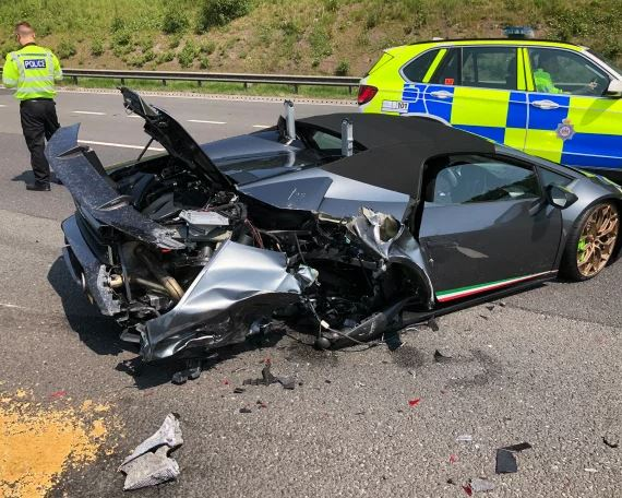 Unlucky Driver Crashes New £200,000 Lamborghini Just 20 Minutes After Picking It Up From Showroom #Arewapublisize