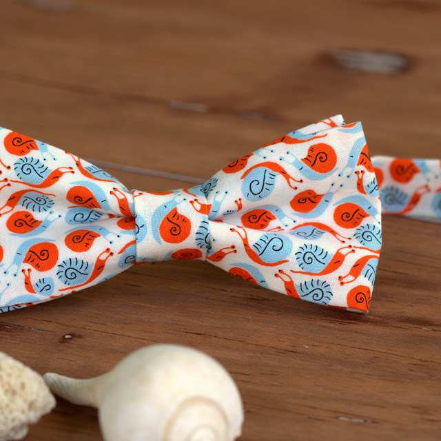 Snail cat and kitten cotton bow tie, perfect for a pet photo prop