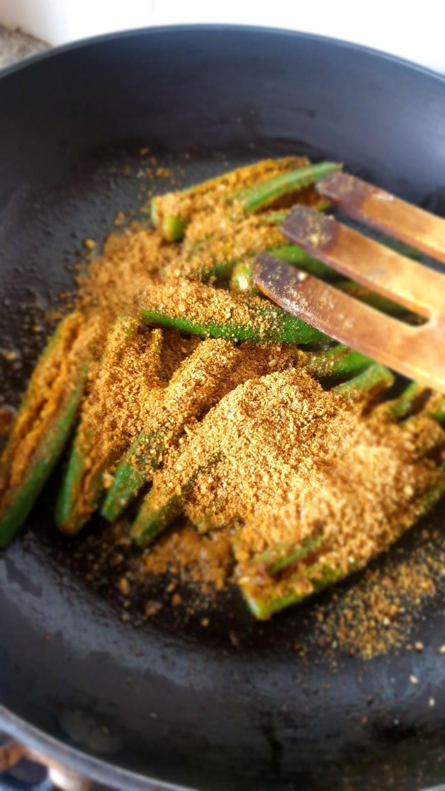 pan frying bharwa bhindi