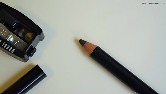 Bobbi Brown Eyebrow Pencil in the shade Brunette for dark eyebrows