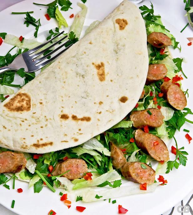 Recept Wraps met merguezworstjes, aïoli en kruidensla