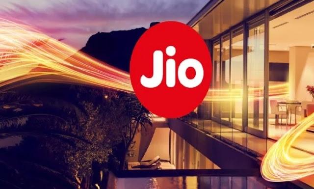 नए साल में Jio ने दिया ग्राहको को शानदार तोहफा, फ्री मिलेगी काॅलिंग सहित कई सुविधाएं