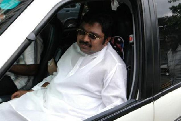 ஆர்.கே.நகர் தேர்தல் தேதியை நிர்ணயிக்க லஞ்சம்: டிடிவி தினகரன் மீது புது வழக்கு
