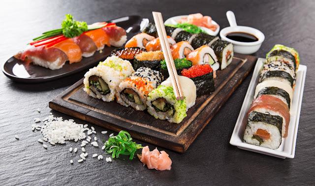 рис для суши рецепт приготовления, рис для суши какой нужен, виды риса для суши, рисовый уксус, рисовая заливка рецепт, http://prazdnichnymir.ru/, рис, роллы, суши, кухня японская, закуски, приготовление роллов, блюда из морепродуктов, закуски из морепродуктов, блюда из риса, блюда из рыбы, кулинария, рецепты кулинарные, еда, про еду, про роллы, про суши, Техника приготовления суши и роллов, как сделать роллы своими руками, суши в домашних условиях, суши пошаговый рецепт с фото, что нужно для роллов в домашних условиях, как приготовить роллы приготовление в домашних условиях, начинки для суши и роллы в домашних условиях, рецепт с фото начинка для суши, запеченные роллы в домашних условиях, запеченные роллов в домашних условиях рецепт с фото, как готовить ролы дома, суши в домашних условиях, чем заменить рисовый уксус для суши, начинка для роллов основные виды, роллы филадельфия рецепт с фото, как заворачивать ролл, лучшие рецепты домашних роллов, как сварить рис для суши, как сварить рис для роллов, как приготовить заливку для риса рецепт, как приготовить заливку для сущи рецепт, какие бывают начинки для роллов, как называются некоторые виды роллов, самые вкусные роллы рецепт, роллы своими руками, роллы для праздничного стола, японская кухня, японские блюда, японская традиция, лучшие японские рецепт, как сделать роллы рецепт, роллы, суши, кухня японская, закуски, приготовление роллов, блюда из морепродуктов, закуски из морепродуктов, блюда из риса, блюда из рыбы, рецепты кулинарные, про роллы, про суши, техника приготовления суши и роллов, как сделать роллы своими руками,