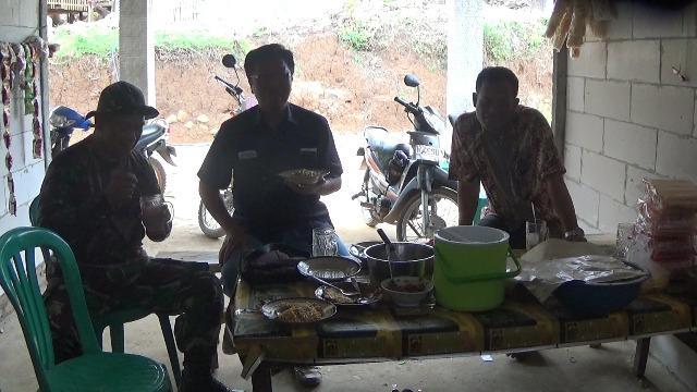 Kepala Desa Blimbing Akui Kegiatan TMMD Merangsang Berdirinya Warung Nasi
