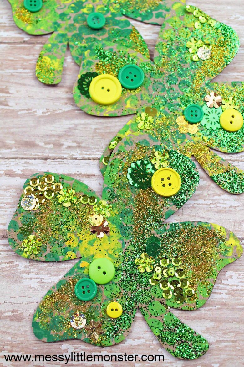 St Patricks day crafts for preschoolers - bubble wrap shamrock craft
