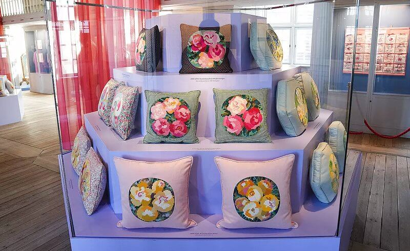 the Queen's Embroideries exhibition