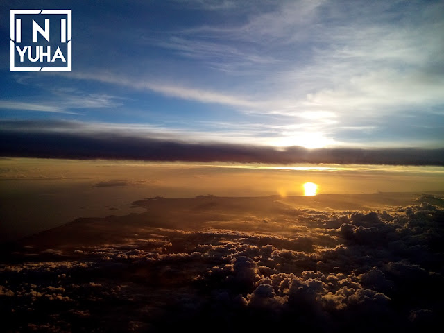 Matahari terbenam dari pesawat terbang