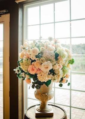 big flower arrangements on vase