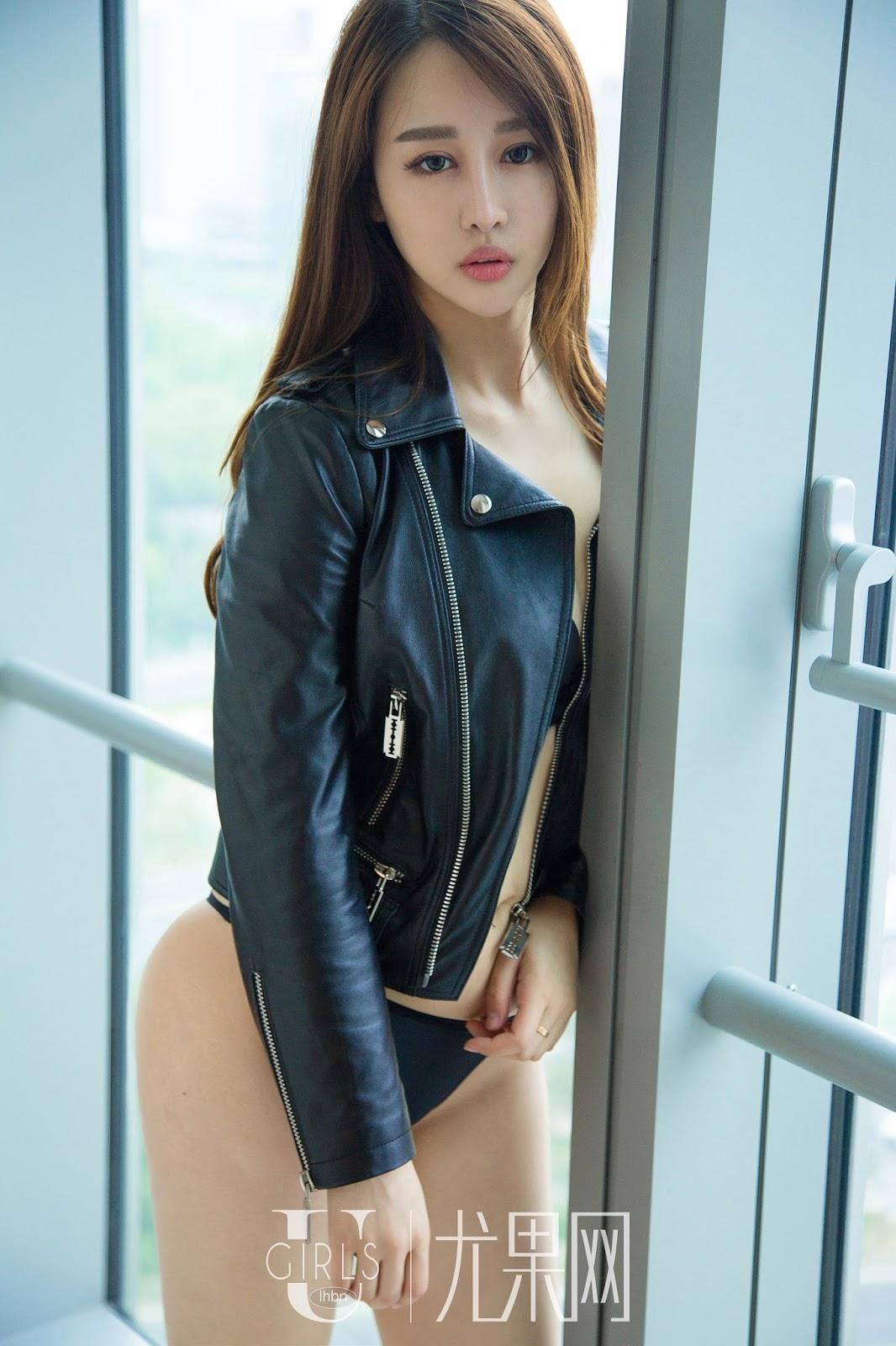 xxx nude girls: Choi Yu Jung in Black