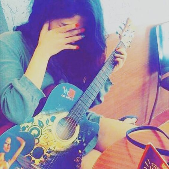 Girl with guitar unique dp for fb