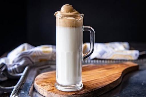 cara-membuat-kopi-kocok-dalgona