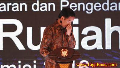 http://ligaemas.blogspot.com/2016/12/jokowi-perintahkan-polisi-tindak-tegas.html