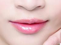 Tips Alami Menciptakan Kulit Bibir Lembut, Halus & Merona