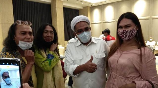 Ngabalin Temui Waria Surabaya: Ini Mandat Presiden
