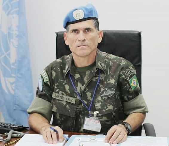 General Santos Cruz afirma que será candidato em 2022